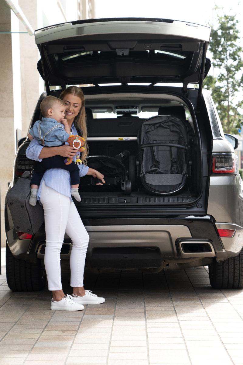 Peach – Lifestyle- Car unload-jpg
