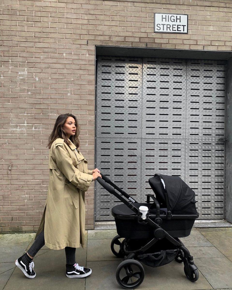 Celebrity: Naomi Genes